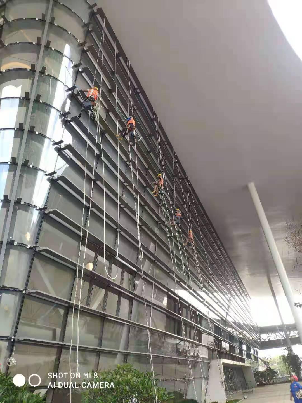 海南国际会展中心二期扩建项目内外清洗保洁